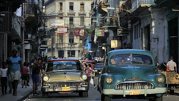 cuba-taxis-620-rtr3f62f