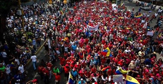 Wielotysięczne protesty w Wenezueli przeciw rządom prezydenta Nicolasa Maduro trwają od marca 2017 r.